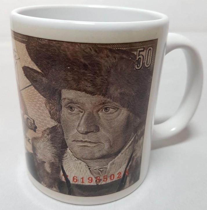 50 DM- Schein der Serie BBK-II auf Kaffeebecher (Geheime Währung)