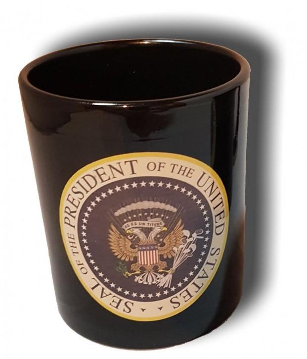 Keramik- Becher mit verfälschtem amerikanischem Präsidentensiegel