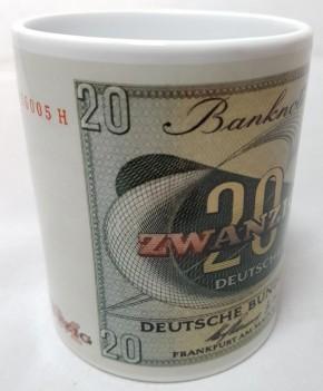 20 DM- Schein der Serie BBK-II auf Kaffeebecher (Geheime Währung)
